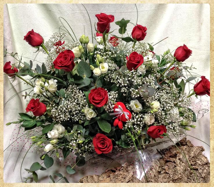 Centro 18 rosas con lisianthus