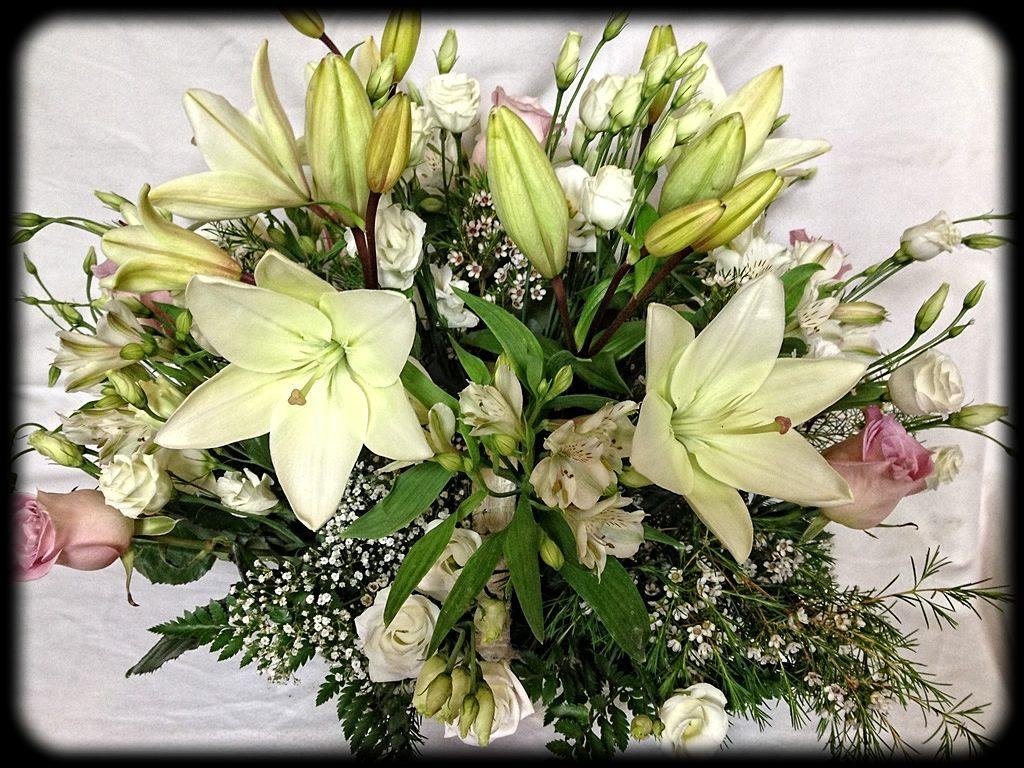Bouquet variado para nacimientos